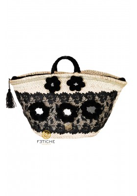 POMPONS AND LACE BAG