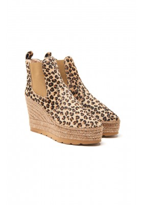 LEOPARD PRINT YUTE ANKLE BOOTS